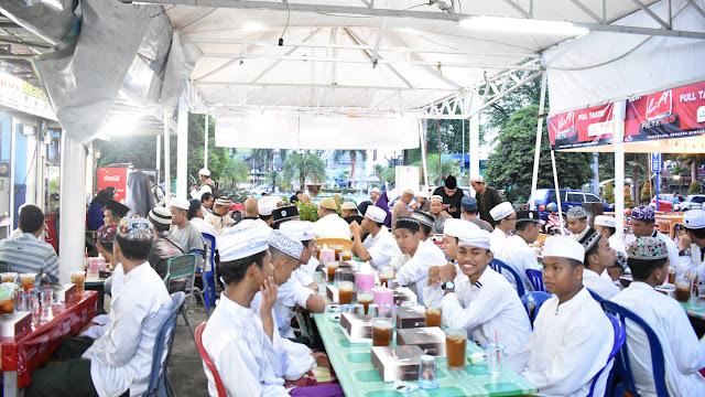 Buka Puasa Bersama DK Banjarbaru, MGR, dan Anak Panti
