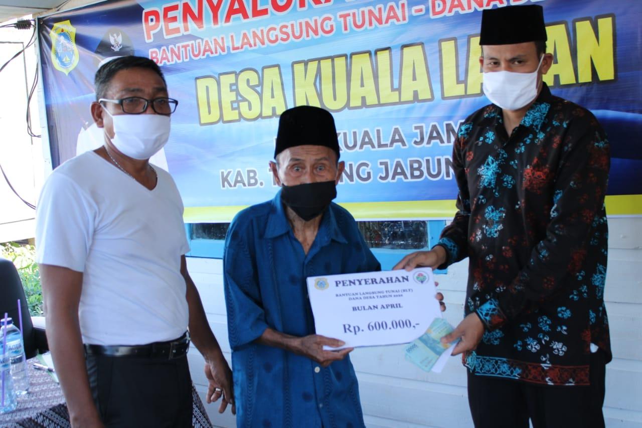 Pemdes Kuala Lagan Salurkan BLT DD Tahap Pertama