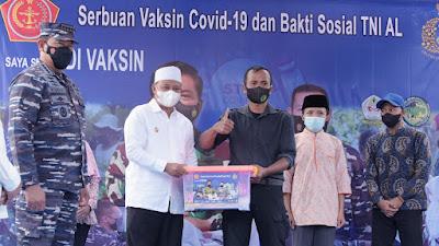 Panglima Santri Kawal Serbuan Vaksin TNI AL di Ponpes Suryalaya