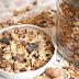 Kakaové a brusinkové zapékané müsli