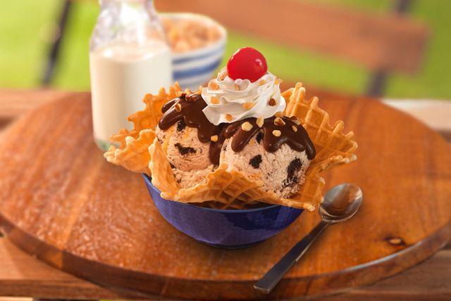 baskinrobbins debuts new oreos and cereal milk ice cream