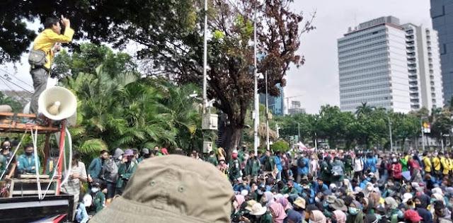 """Disebut Demo gegara Termakan Hoaks, Mahasiswa Soraki Jokowi """"Huuuuuu!"""""""