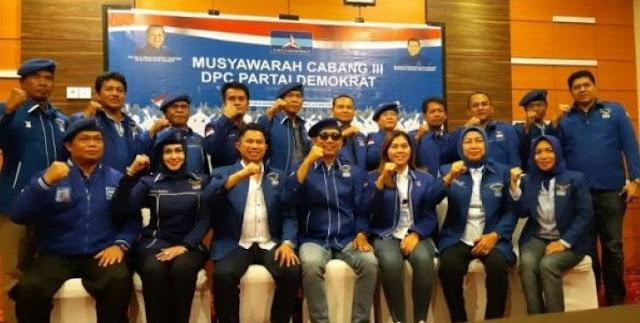 Kepala Daerah Se-Kalteng Dukung Jokowi, Imbalannya Putera Daerah jadi Menteri