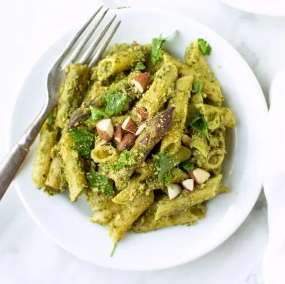 One Pot Spring Pesto Pasta with Peas & Asparagus