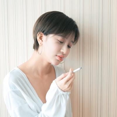 MauLon.Net - Em muốn hút thuốc, hả, em muốn hút thuốc?