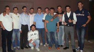Ο Βαγγέλης Αυγουλάς με μέλη σ.φ.ΑΕΚ