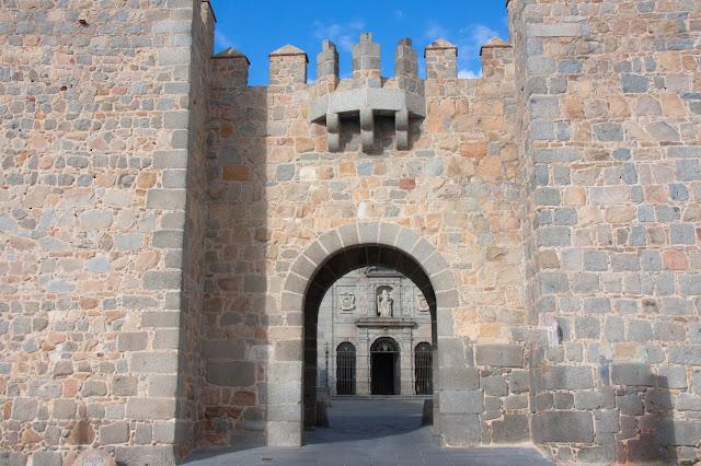 Iglesia de Santa Teresa, em Ávila, na Espanha.