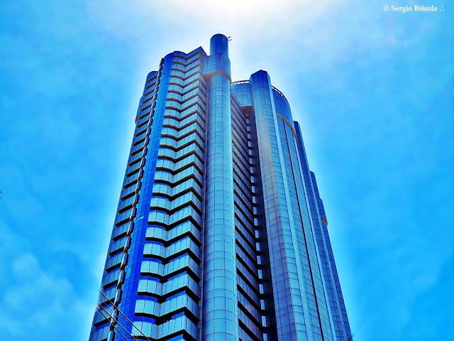 Vista da parte superior do Edifício Plaza Centenário (Robocop) - Cidade Monções - São Paulo