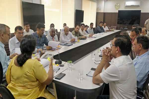 faridabad-mandal-adhyaksh-dr-g-anupama-meeting-with-officers-dc