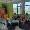 Bhabinkamtibmas Pallantikang Koordinasi Dengan Pihak Kelurahan Antisipasi Penyebaran Virus Corona