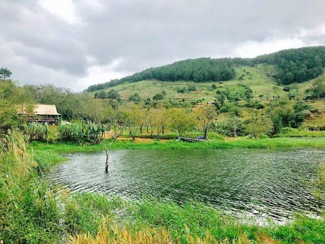 Nhà hàng làng Đào Nguyên – hồ Tuyền Lâm