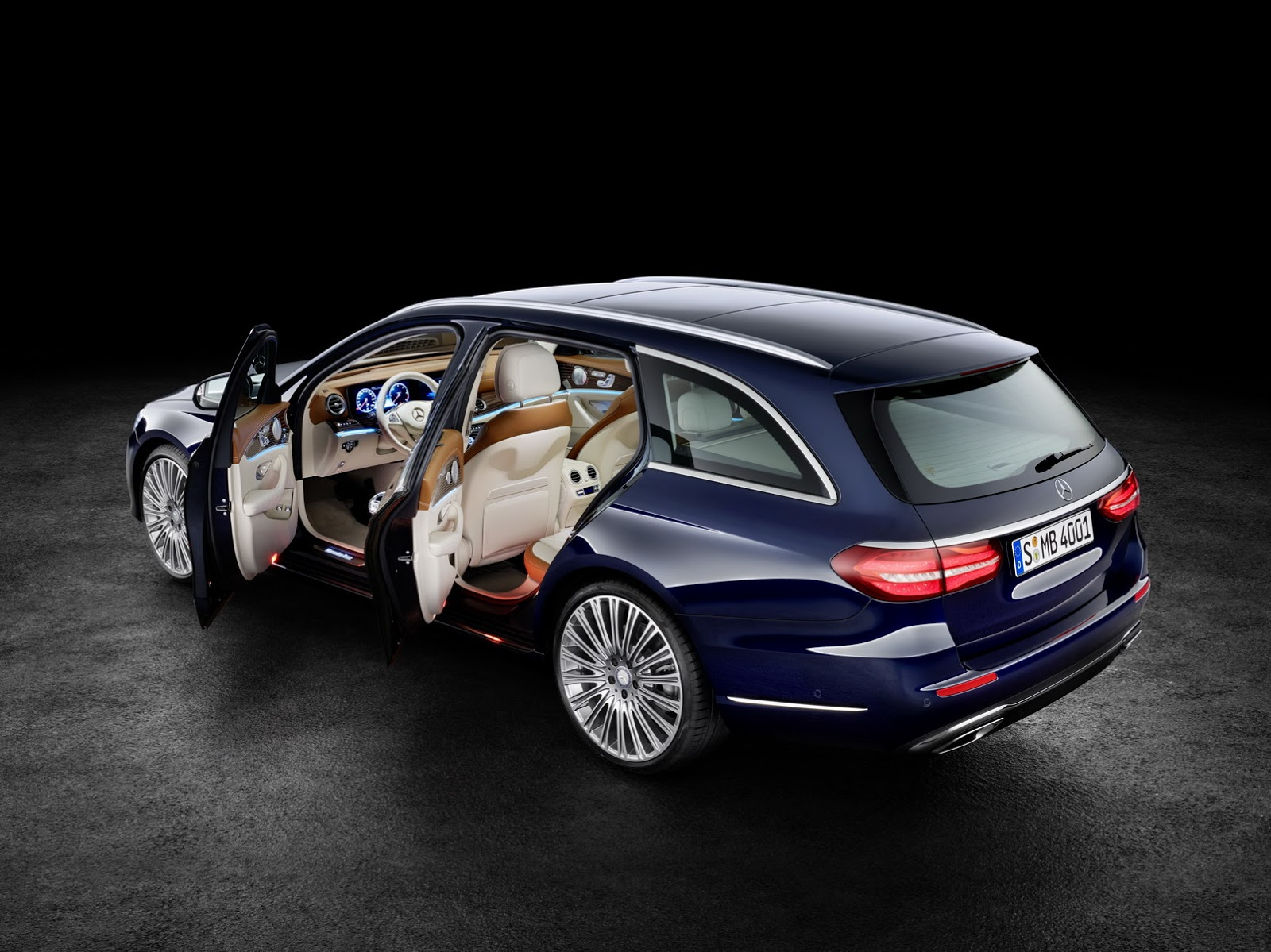 2017-Mercedes-Estate-E-Class-16.jpg
