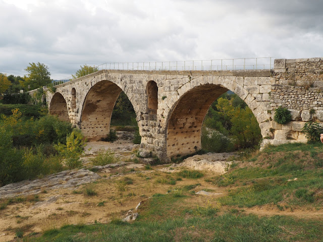 Мост Понт Жульен (Bridge Pont Julien)