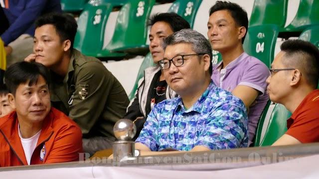 """Ông Li Ning """"thị sát"""" trận chung kết cúp Hoa Lư 2021"""