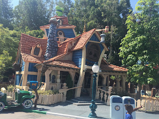 Goofy House Mickey's Toontown Disneyland