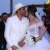 Cantor Mano Walter entra em cerimônia de casamento montado em cavalo