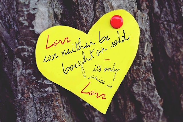 Collection of 100+ Best Love Status & Quotes in English for WhatsApp