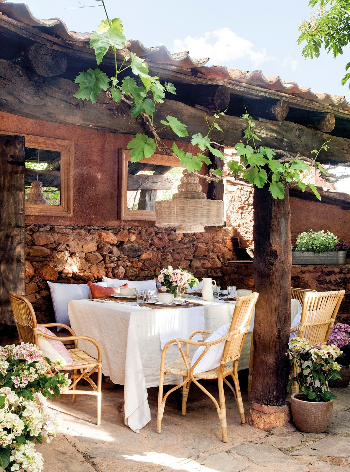 Decordemon a unique spanish country house for Spanish country houses