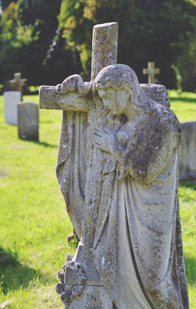 Angel gravestone