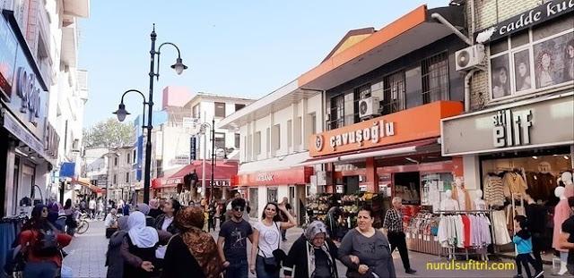 menikmati kebab doner asli turki di istanbul nurul sufitri travel lifestyle blogger kuliner