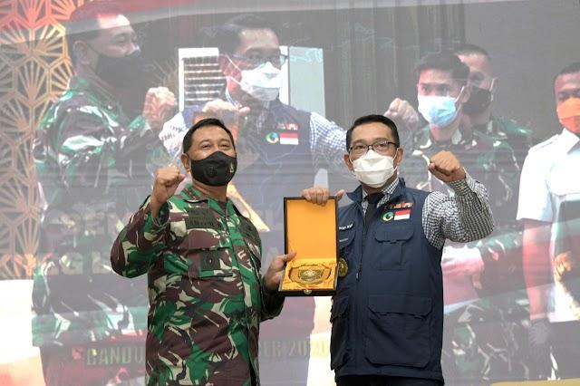 Percepat Proses Vaksinasi COVID-19, Gubernur Jabar Dorong Anggota TNI Jadi Relawan Penyuntik Vaksin