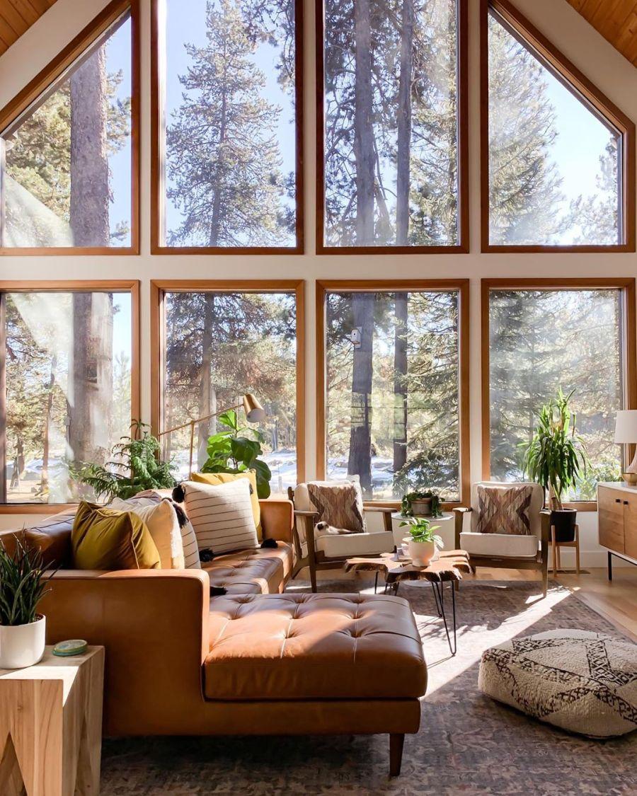 Dom wypełniony światłem, wystrój wnętrz, wnętrza, urządzanie domu, dekoracje wnętrz, aranżacja wnętrz, inspiracje wnętrz,interior design , dom i wnętrze, aranżacja mieszkania, modne wnętrza, home decor, styl klasyczny classy style, styl Hamptons, open space, otwarta przestrzeń, otwarty plan, salon, living room, pokój dzienny, duże okna, big windows