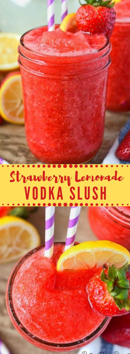 STRAWBERRY LEMONADE VODKA SLUSH #vodka #drink #party #healthyrecpe #smoothie