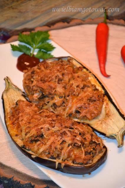 Bakłażan faszerowany ryżem, pieczarkami i kurczakiem