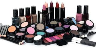 Cara Aman Menjaga Kosmetik Agar Tetap Aman