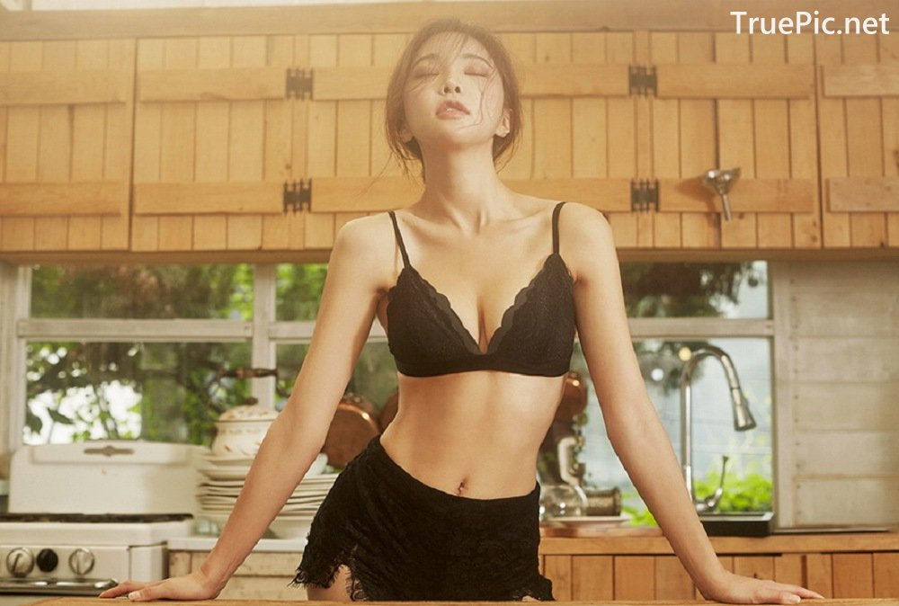 Image-Park-Soo-Yeon-Black-Red-and-White-Lingerie-Korean-Model-Fashion-TruePic.net- Picture-4