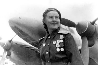 Lilya Litvyak, Rosa Branca de Stalingrado, Bruxas da Noite, Segunda Guerra Mundial