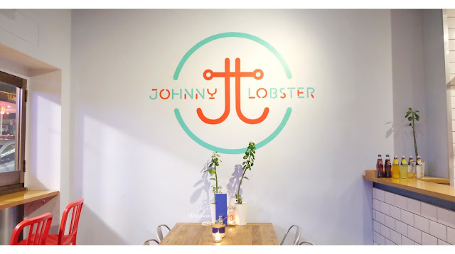 Lobbie Roll at Johnny Lobster - Crows Nest
