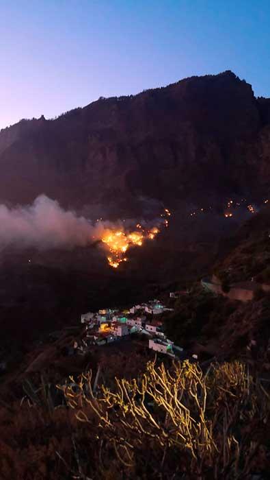 El incendio de la cumbre de Gran Canaria depende del viento