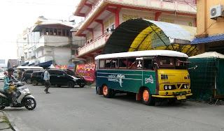 Bus kayu