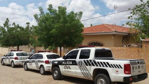 Polícia Civil da Paraíba prende em Catolé do Rocha quatro homens suspeitos de tráfico e assaltos