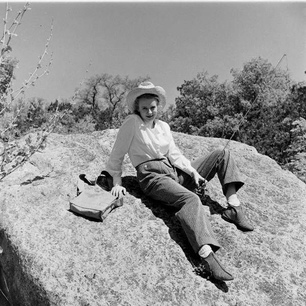 Rarely Seen Vintage Photos Of American Cowgirls From The