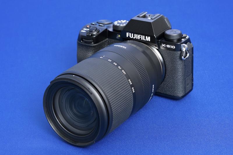 Объектив Tamron 18-300mm F/3.5-6.3 Di III-A VC VXD (Model B061) с камерой Fujifilm X-S10