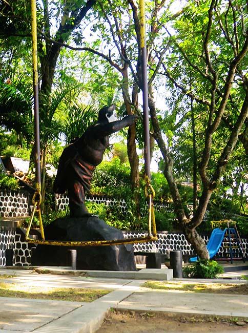 Patung Semar di Taman Plintheng Semar