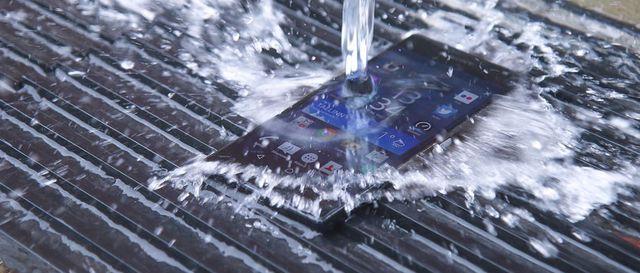 Inilah Smartphone Tahan Banting Terbaik Dan Terbaru