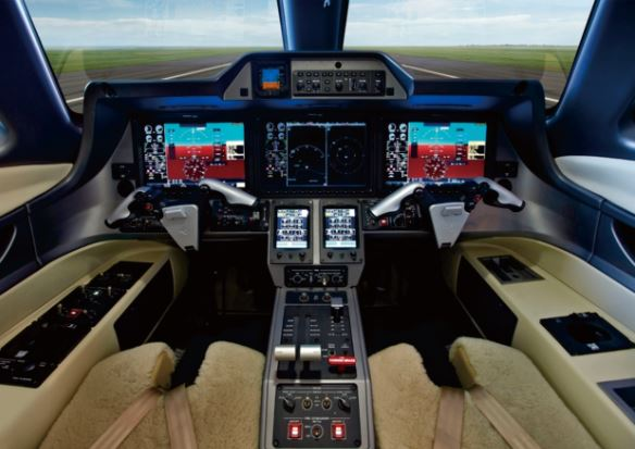 Embraer Phenom 100EV cockpit