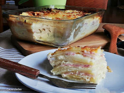 Patatas gratinadas con bacon y queso