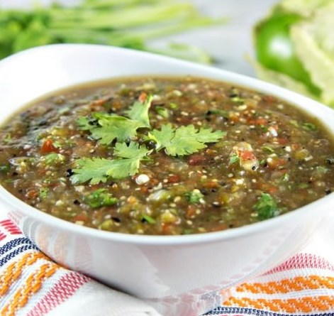 ROASTED TOMATILLO SALSA VERDE #vegetarian #appetizers