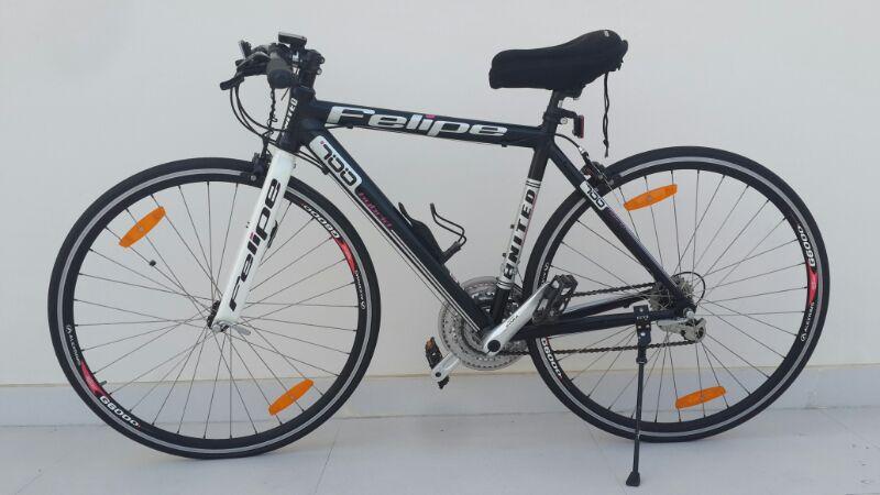 Hybrid Bike UNITED FELIPE 700C Harga Rp 1800000