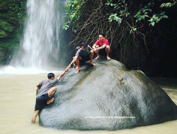 Berwisata Ke Pemandian Alam Air Terjun Lematang Indah Palembang