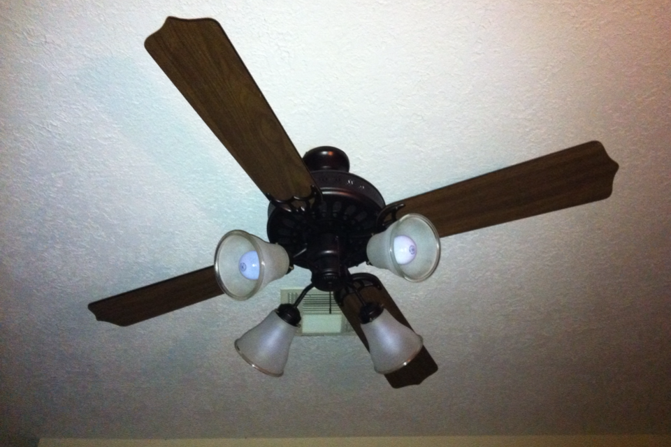 Pretty Organized DIY Home: Ceiling Fan Makeover