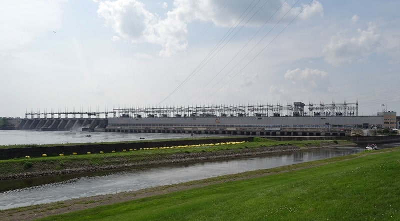 nuevas represas hidroeléctricas de Canadá están casi listas