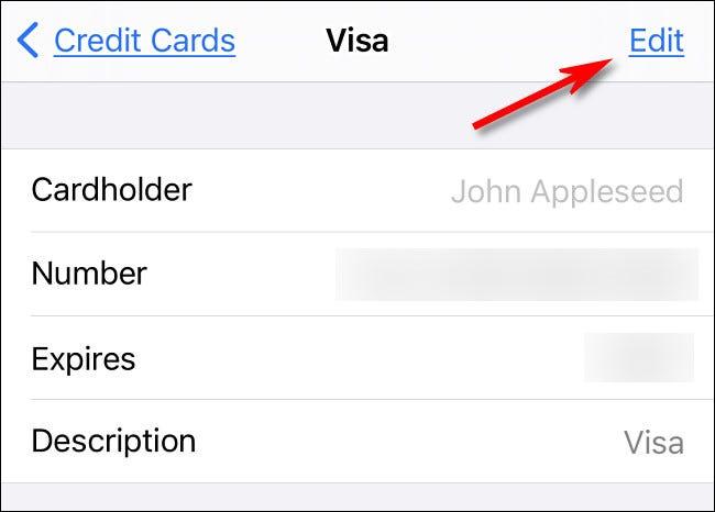 """في شاشة تفاصيل بطاقة الائتمان ، انقر على """"تعديل"""" لتغيير التفاصيل."""