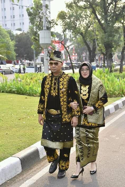 Pakai Baju Adat Jambi Walikota Fasha Hadiri Upacara Hut Ke 74 Ri Di Istana The Jambi Times
