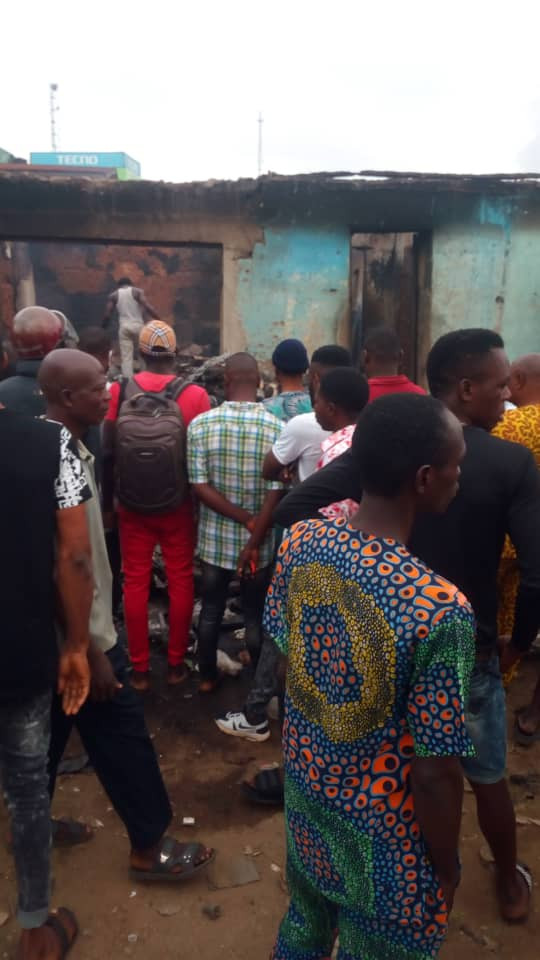 Late Night Fire outbreak destroys twenty shops and five houses in Akure