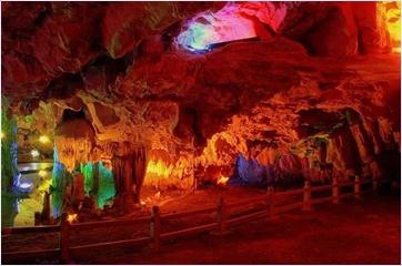ถ้ำจิ่วเซียง (Jiuxiang Cave)